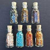edelsteen split in mooie flesjes